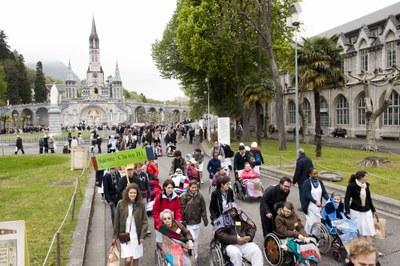 Photos Lacaze Procession2011 19